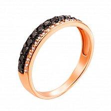 Золотое кольцо Фортуна в красном цвете с дорожками черных и белых фианитов