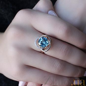 Кольцо в красном золоте Кристина с голубым топазом и фианитами SVA--1190433101/Топаз голубой