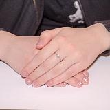 Кольцо из белого золота с кристаллом Swarowski Классика