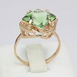 Золотое кольцо Веста с синтезированным аметистом