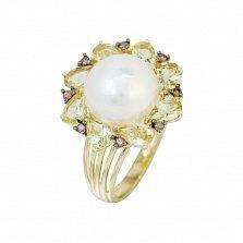 Кольцо из желтого золота Джустина с коньячными бриллиантами, белым жемчугом и кварцем цвета шампань