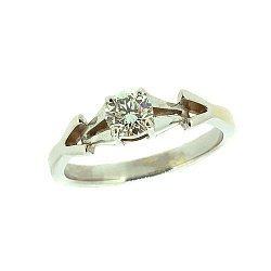 Золотое кольцо в белом цвете с бриллиантом 000021490