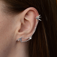 Серебряные серьги-каффы Ласточкина любовь с соединяющей цепочкой и фианитами