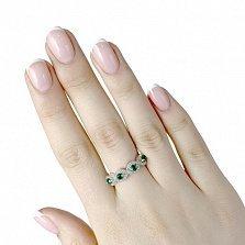 Серебряное кольцо Медисон с узорной шинкой, синтезированными изумрудами и фианитами