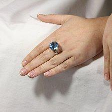 Золотой перстень Аманда в комбинированном цвете с топазом и фианитами