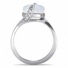 Золотое кольцо Хетевей в белом цвете с узорным кастом и опалом