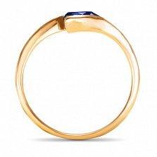 Золотое кольцо Тонкие грани в красном цвете с синтезированным сапфиром