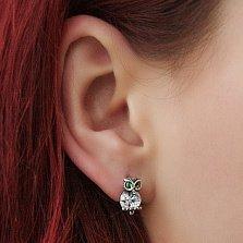 Серебряные серьги Маленькая совушка с белыми и зелеными фианитами