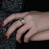 Серебряное кольцо с фианитами Клевер
