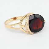 Золотое кольцо с гранатом и фианитами Илэрия