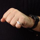 Серебряное кольцо Грация с алмазной насечкой и черной эмалью