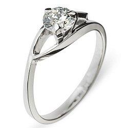 Золотое кольцо Моник с бриллиантом
