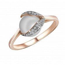 Золотое кольцо Аэлита в красном цвете с бриллиантами и жемчугом (пресноводным)