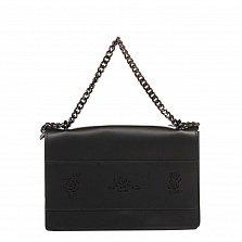 Кожаный клатч 8909 в черном цвете с узорной перфорацией на клапане и ручкой-цепочкой