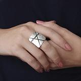 Серебряное кольцо Интрига с чёрным цирконием