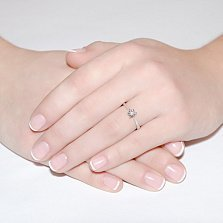 Кольцо из белого золота с бриллиантом Nefertiti