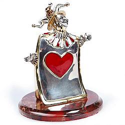 Дизайнерская серебряная статуэтка с цветной эмалью и позолотой на подставке из яшмы 000004397