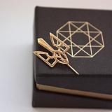 Золотая шпилька Трезубец