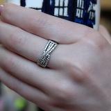Серебряное кольцо Бантик с фианитами
