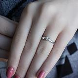 Золотое кольцо в белом цвете с бриллиантом Афродита