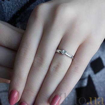 Золотое кольцо в белом цвете с бриллиантом Афродита 000039095