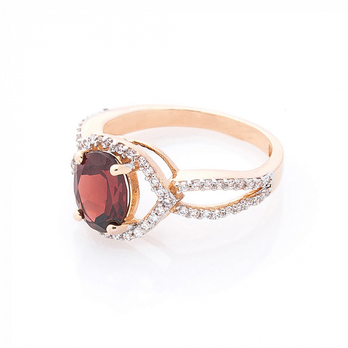Золотое кольцо Аделфа с гранатом и белыми фианитами 000082322
