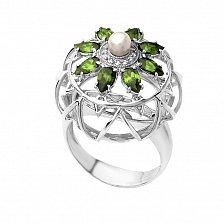 Серебряное кольцо Бегония с хризолитом, жемчугом и фианитами