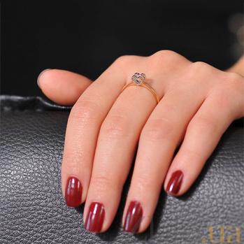 Золотое кольцо  с бриллиантом  Невесомость EDM-КД7501