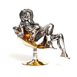 Серебряная статуэтка Девушка в кресле с позолотой