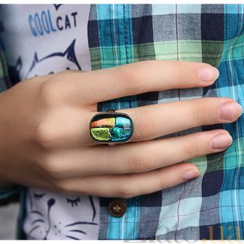 Серебряное кольцо с имитацией опала Мозаика 000007034