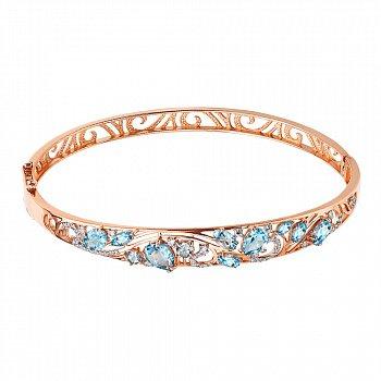 Жесткий браслет в комбинированном цвете золота с голубыми топазами и фианитами 000131633