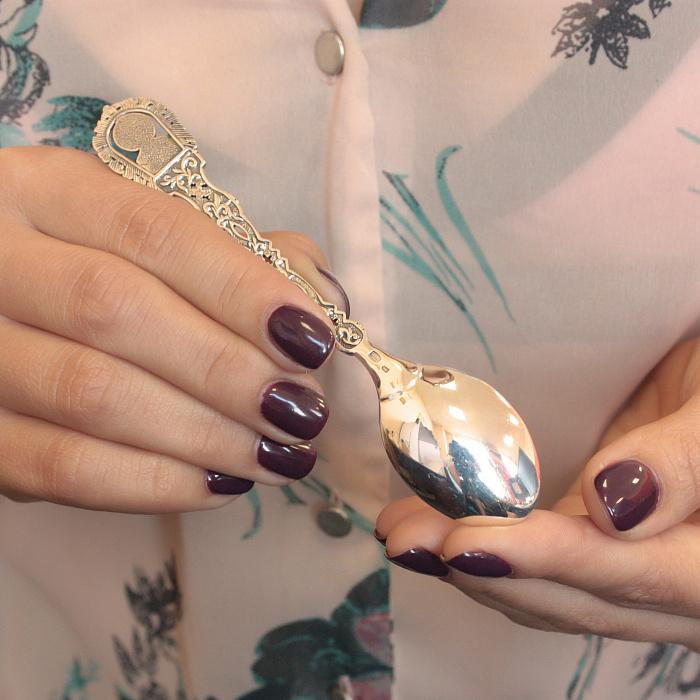 Серебряная кофейная ложка Св. Николай Чудотворец с фигурной ручкой 000079998