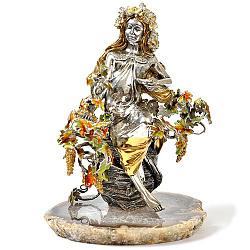Серебряная композиция с позолотой и цветной эмалью на подставке из агата 000004356
