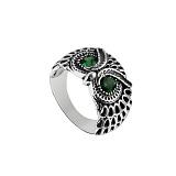 Серебряное черненое кольцо Строгая сова с зелеными фианитами
