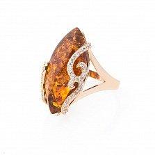 Золотое кольцо Селена в красном цвете с коньячным янтарем и фианитами