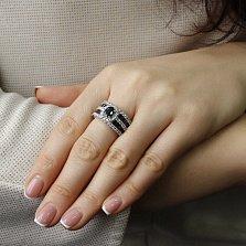 Кольцо Полярная ночь в белом золоте с широкой шинкой инкрустированной сапфирами и бриллиантами