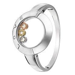 Кольцо из белого золота Love с тремя завальцованными бриллиантами в стиле Шопар