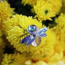 Золотая брошь с бриллиантами, сапфирами, топазом, кварцем и перламутром Грета Ото