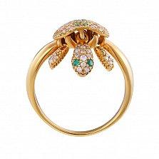 Золотое кольцо Черепашка с подвижными деталями в изумрудах и прозрачных топазах