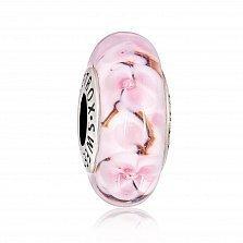 Серебряный шарм Цветение сакуры с муранским стеклом