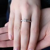 Золотое кольцо с цирконием Хелена