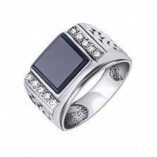 Серебряный перстень-печатка Ромен с фактурной шинкой, черным ониксом и дорожками белых фианитов