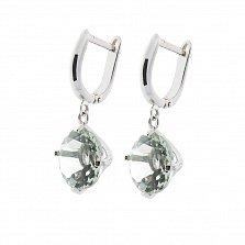 Золотые серьги-подвески Юстина в белом цвете с зелеными аметистами