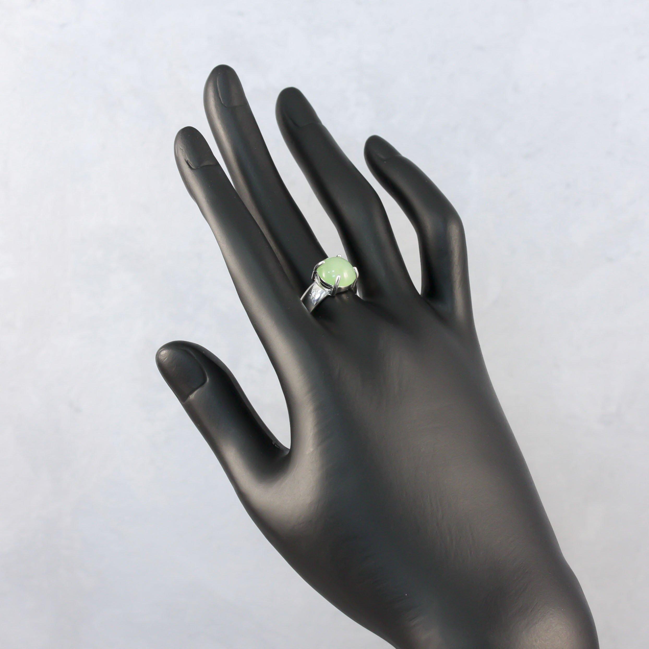 Серебряное кольцо Зеленый виноград с хризопразами и белыми фианитами