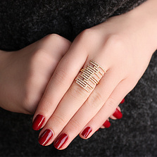 Серебряное кольцо Дарина в позолоте с цирконами