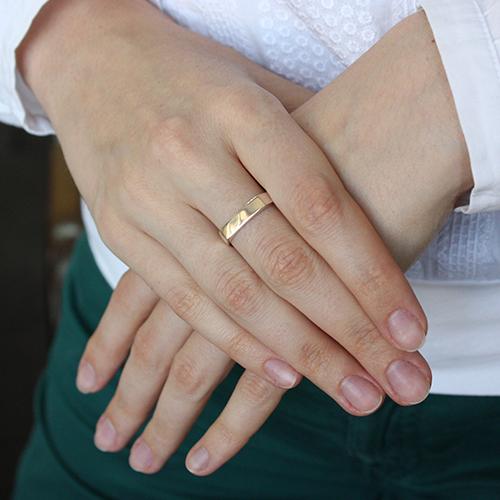 Серебряное кольцо с золотой вставкой Силуэт BGS--508к