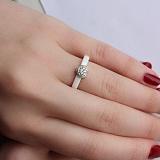 Серебряное кольцо Услада с белой керамикой и фианитами 000035169 в ювелирном гипермаркете Злато