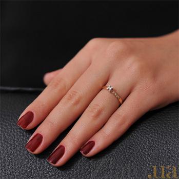 Золотое кольцо Магия блеска с бриллиантами EDM--КД7411