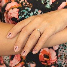 Помолвочное кольцо Лидия в красном золоте с бриллиантом в четырех родированных крапанах