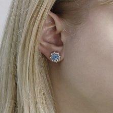 Серебряные серьги-пуссеты Хризантемы с белыми фианитами и голубыми топазами